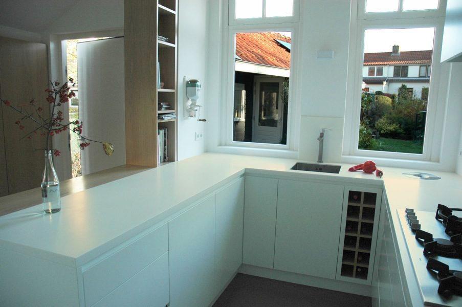 klein ruimtelijk keukenontwerp