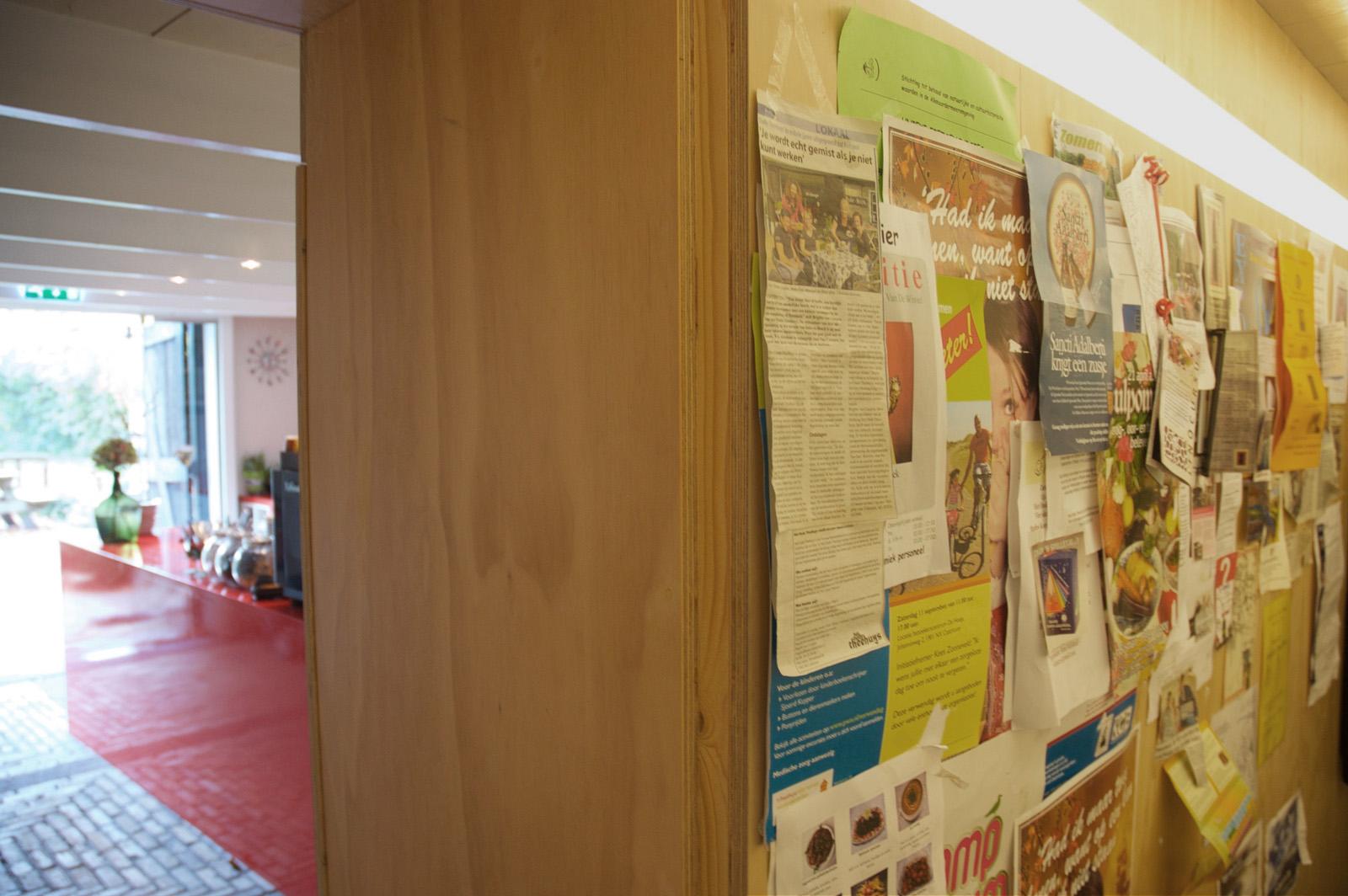 infowand van underlayment in lunchroom